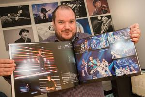 Mattias Hansson är vid det här laget ett rutinerat melloproffs. Det är nu nittonde året som han fotar under Melodifestivalen.