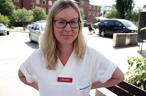 Den som blir vittne till förnedrande kommentarer kan bli helt ställd. Erica Nordén, i Dalastyrelsen för Sveriges Yngre Läkares Förening, vill stärka medlemmarna att agera.