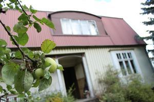 Här ett hus i Ludvika som togs över för några år sedan med ambitionen att starta gårdsbutik. huset hade stått tomt i 54 år. Foto Marko Säävälä / TT