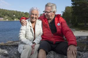 Mailis Westberg-Gren och Bo Westberg-Gren bor sedan 1991 i sitt idylliskt belägna hus i Skagshamn utanför Örnsköldsvik, granne med havet. De fyller båda 85 år – han fredagen 14 september och hon dagen efter, lördagen 15 september. Födelsedagarna firar de på lördagseftermiddagen med öppet hus hemma i huset i Skagshamn.