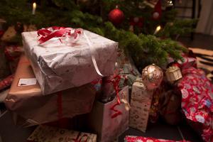 Låt julen handla om andra saker än julklappar, tycker ung-skribenten. Foto: Jon Eeg/TT