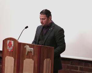 Johan Persson (SD) lyckades få igång en debatt i Smedjebackens kommunfullmäktige, igen.