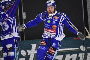 Johan Esplunds Villa drar igång säsongen på fredag, med en träningsmatch mot Lidköpings AIK. Matchen sänds på Bandypuls. Bild: Björn Larsson Rosvall/TT