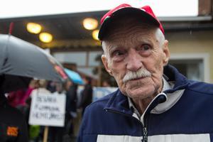 Olle Persson deltog i demonstrationen mot privatiserad hemtjänst för att han är orolig för vad det innebär för honom.
