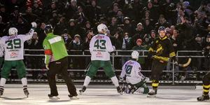 AIK slog Hammarby med 3–2 i en lugn tillställning på Östermalms IP, enligt polisen. Bild: TT