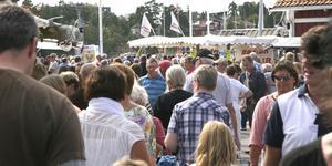 På lördag fylls Nynäshamns fiskehamn av skärgårdsting, skärgårdsmarknad och från piren kan man följa kappseglingstävlingar. Foto: NP/arkiv