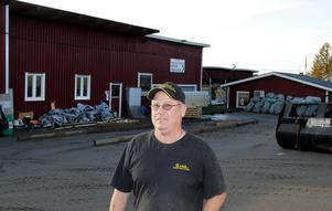 Det blir mycket firande för Kent Nykvist, 40 år med företaget och snart fyller han 65 år.