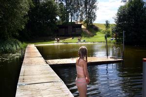 Simskola igen. Vedens badplats är ett av de ställen som det arrangeras simskola i sommar. Arkivfoto: Björn Palmqvist