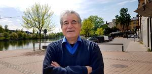 """Roberto Farias Vera lanserar sin nya bok """"Relatos tertulianos"""" på fredag. Han är dock redan igång med nästa som han hoppas ge ut nästa år. Den kommer att handla om några av hans favoritförfattare som Ernest Hemingway och Graham Greene."""