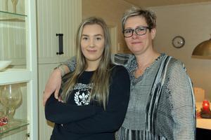 Mor och dotter Karlsson, Wilma och Josefin.