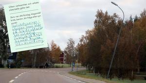 Även utflyttade Ångebor har vänt sig till Ånge kommun med synpunkter om de bitvis helt felriktade lyktstolparna.