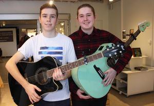 Emil Walser och Jack Vikström tyckte att det var kul att få spela med ett proffsigt band. Musiken tänker de fortsätta ha som hobby. När de börjar gymnasiet till hösten blir det troligen med inriktning på teknik respektive el.