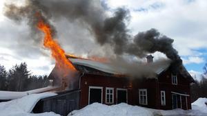En bild från söndagens brand i Ytterhogdal. Foto: Räddningstjänsten Jämtland