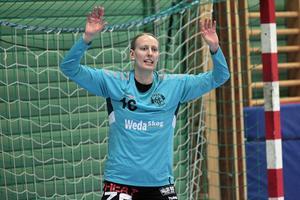 Emina Jonasson – inlånad målvakt från Eskilstuna GUIF – hade stor del i en lyckad hemmadebut när Alfta tog första segern i Celsiushallen.