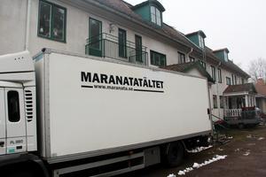 Församlingens lastbil har fraktat flyttlådor från Stockholm till Långshyttan.
