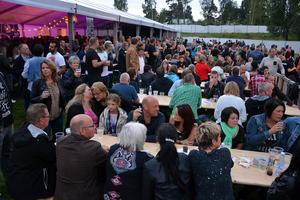 Folkfest.