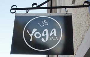 """""""Om ingen tog över yogastudion skulle den troligen läggas ner. Men det behöver finnas i Sala"""", säger Kajsa Berglind."""