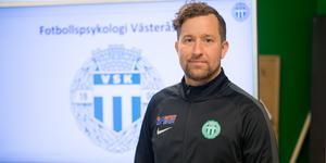 Håkan Carlsson, idrottspsykologisk rådgivare, förstärker VSK:s tränarteam inför säsongen i superettan.