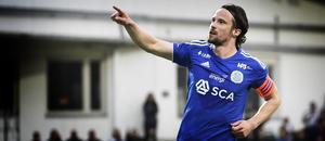 Linus Hallenius efter 2–0-målet mot Falkenberg våren 2019. Mål nummer 35 i ordningen för GIF-ikonen. Bild: Erik Mårtensson/TT