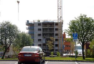 Höghuset på Köpmangatan beräknas vara klart för inflyttning under våren eller sommaren 2019.