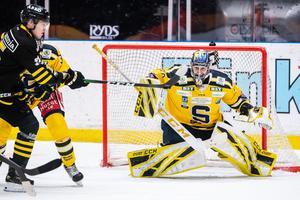 Alexander Sahlin hade en svettig match mot AIK och räddade 40(!) skott när SSK vann med 1-3.