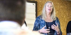 Budgeten för hälso- och sjukvården var för optimistisk, anser regionrådet Eva Lindberg.
