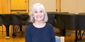 Anita Wall har spelat både teater och revy i Sundsvall förut. Nu gästar den 79-åriga  teaterlegenden Nordiska Kammarorkestern och läser utvalda texter till musik.