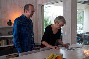 """""""Med en hög arkitektonisk ambitionsnivå och en spännande gestaltning har byggnaden anpassats väl till platsen"""" skriver juryn om Per och Lena Callermos hus i Sörfjärden, Gnarp."""