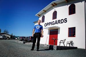 Sedan en dryg vecka tillbaka är Jonny Ryentorp på plats i Ingvallsbenning för att ta positionen som vice vd på Oppigårds Bryggeri. Tidigare har han varit chef inom industriverksamhet men kanske framförallt varit känd som bryggare på det egna Ryentorps bryggeri.