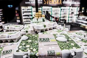 Genom att kommuner och myndigheter i Västernorrland ställer krav på ekologiska livsmedel vid offentlig upphandling kan omställningen påskyndas. Samtidigt är det avgörande att konsumenter fortsätter att vara tydliga i sin efterfrågan, skriver Jonas Carlberg, affärsområdeschef lantbruk på KRAV.