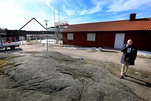 Niclas Camarstrand väntar på att Byggpartner ska åtgärda bergbanan.