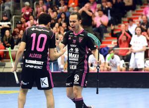 Alexander Hallén skriker ut sin glädje efter 4–0-målet.