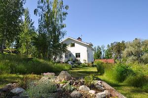Denna sexrumsvilla i Uddnäs, Falu kommun, var det näst mest klickade huset i Dalarna på Hemnet under vecka 52.Foto: Skandiamäklarna