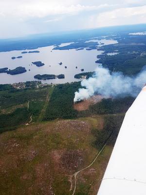 Skogsbranden i Ängelsberg från ovan.Bild: Leif Nordstrand
