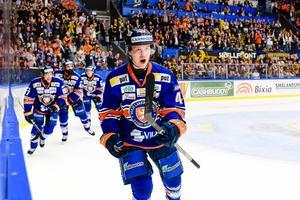 Elias Pettersson jublar efter sitt 2–1-mål mot Skellefteå.Bild: Jonas Ljungdahl/Bildbyrån
