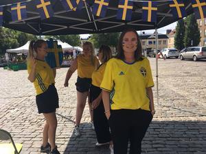 Ann-Sophie Sund hoppas  hela torget ska färgas  gult och blått på lördag