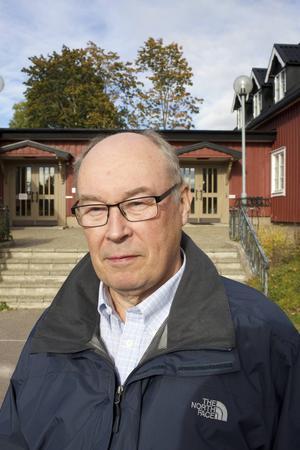 Hans Eskilsson, ordförande för kyrkorådet i Säterbygdens församling är nöjd över att ha anställt Mattias Rådbo i rollen som vikarierande kyrkoherde.