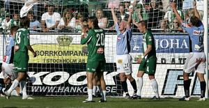 Benny Mattsson jublar efter 1–0-målet mot Hammarby 2005. Bild: ANDERS WIKLUND
