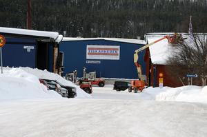 Efter takraset är det i stort sett stopp i produktionen vid Fiskarhedens sågverk.