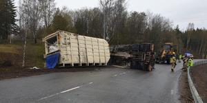 Lastbilen var lastad med papper. Bild: Räddningstjänsten