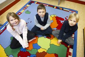 Ronja Gladh, Wilhelm Jutterström och Jack Hellman tycker att det roligaste med sin skola är att få lära sig saker.