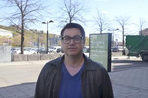Björn Persson, 52, författare, Matfors: