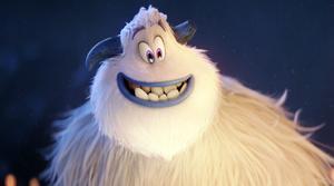 Migo är en sorglös Yeti som i stor harmoni lever tillsammans med de sina, högt ovan molnen i filmen