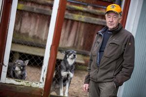 Hans Hägglund anser att myndigheterna måste börja lyssna på kritiken och förändra hanteringen av varg.