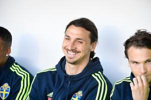 Störst av allt för en kung som Zlatan är att få representera Sverige. Foto: Janerik Henriksson / TT