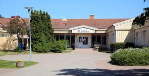 Lillåhem i Orsa har kritiserats av anhöriga för de boendes mående och för hemmets hårda besöksrestriktioner.