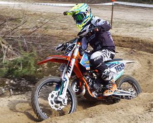 Albin Berglund är stark både fysiskt och mentalt, en uthållig 13-åring som gillar långa körtider i tävlingarna.