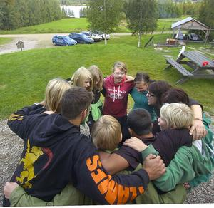 Syftet med sjundeklassarnas upptakt i Timsbo är att de ska lära känna varandra. Det är teambuilding på ett positivt sätt.