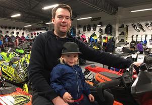 Pappa Johan Melin, Falun, och sonen Lucaz två år.