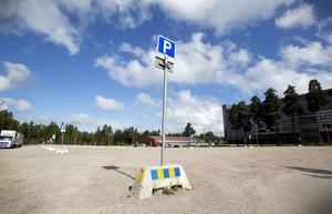 Parkeringen mellan Gavlerinken och GTK-hallen ägs av Gävle kommun men Brynäs har nyttjanderätt för marken och ansvarar för underhåll.